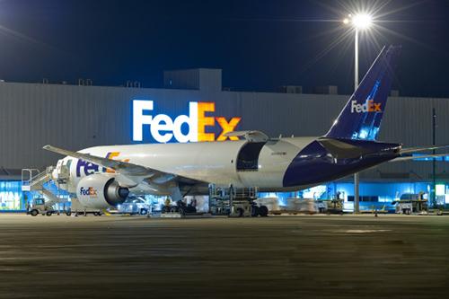 FedEx快递破茧成蝶,傲娇飞翔到美国