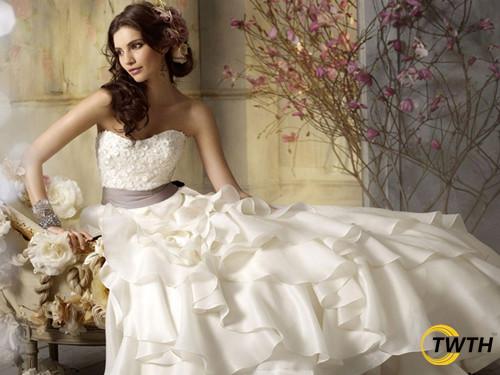 婚纱礼服空运到美国时效有保障